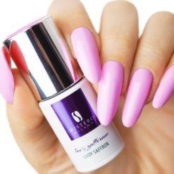Violet kleurige gellak van Mistero Milano voorbeeld nagels